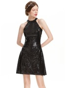 A-Line/Princess Scoop Neck Short/Mini Sequined Homecoming Dress