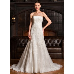 A-Line/Princess Strapless Sweep Train Tulle Wedding Dress With Appliques Lace
