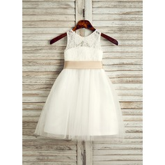 A-Line/Princess Knee-length Flower Girl Dress - Tulle/Lace Sleeveless Scoop Neck With Sash/Bow(s)/Back Hole (010091709)