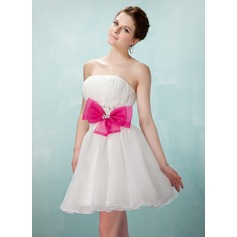 A-Line/Princess Sweetheart Short/Mini Organza Homecoming Dress With Ruffle Sash Beading Bow(s)