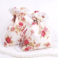 Pretty Floral Theme Favor Bags With Ribbons