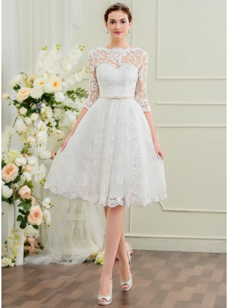 Scoop Neck Knee-Length Lace Wedding Dress With Bow(s)