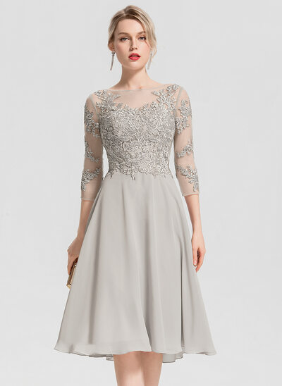 A-Line/Princess Scoop Neck Knee-Length Chiffon Cocktail Dress With Beading Appliques Lace