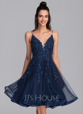 A-Line V-neck Knee-Length Tulle Homecoming Dress With Beading Sequins (022206522)