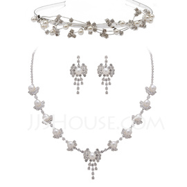 Alloy/Pearl With Rhinestone Ladies' Jewelry Sets (011027504)