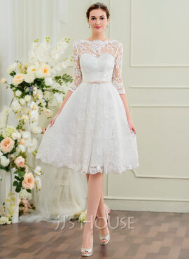 A-Line/Princess Scoop Neck Knee-Length Lace Wedding Dress With Bow(s) (002095845)