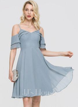 A-Line V-neck Knee-Length Chiffon Homecoming Dress With Cascading Ruffles (022211649)