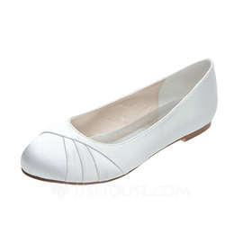 Women's Satin Flat Heel Closed Toe Flats (047053928)