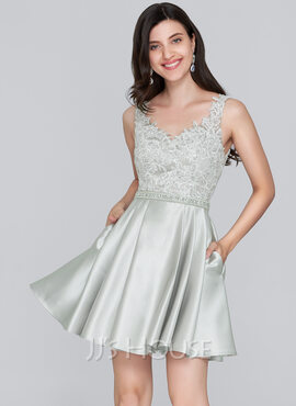 A-Line Sweetheart Short/Mini Satin Homecoming Dress With Beading Sequins Pockets (022124846)