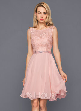 A-Line/Princess Scoop Neck Knee-Length Chiffon Cocktail Dress With Beading Sequins