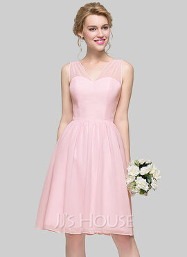 A-Line/Princess V-neck Knee-Length Chiffon Bridesmaid Dress With Bow(s) (266177017)