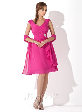 A-Line V-neck Knee-Length Chiffon Mother of the Bride Dress With Crystal Brooch Cascading Ruffles (008006079)