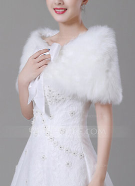 Faux Fur Wedding Wrap (013183436)