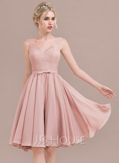 A-Line V-neck Knee-Length Chiffon Lace Homecoming Dress With Bow(s)