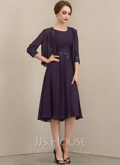 A-Line Scoop Neck Knee-Length Chiffon Lace Mother of the Bride Dress With Sequins