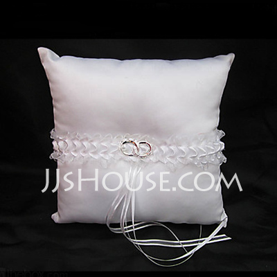 Ring Pillow in Satin With Ribbons