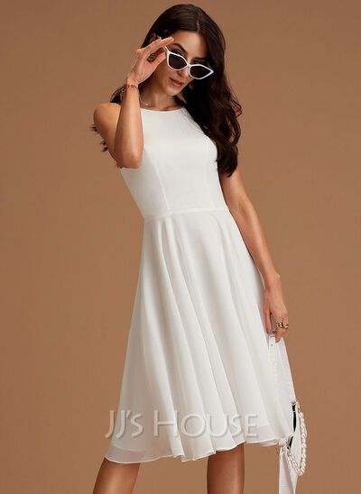 A-Line Scoop Neck Knee-Length Chiffon Wedding Dress