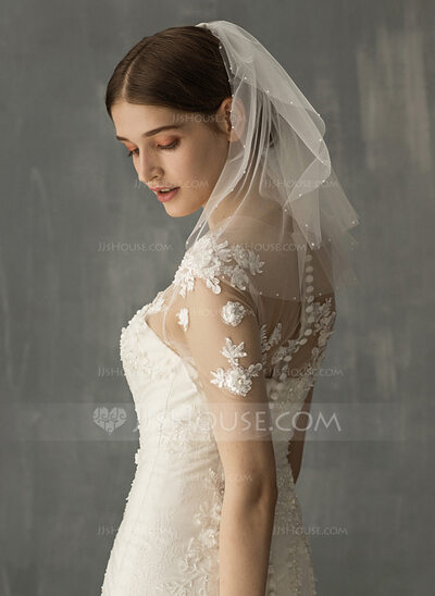 Two-tier Shoulder Veils