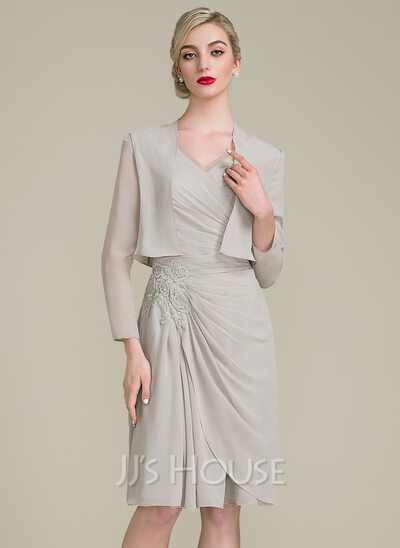 A-Line/Princess V-neck Knee-Length Chiffon Mother of the Bride Dress With Ruffle Beading Appliques Lace