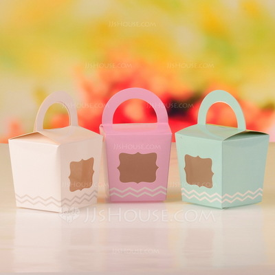 Sweet Scalloped Basket Favor Boxes (Set of 12)