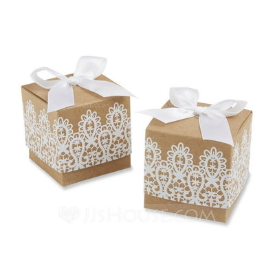 Classic Cubic Favor Boxes With Ribbons (Set of 12)