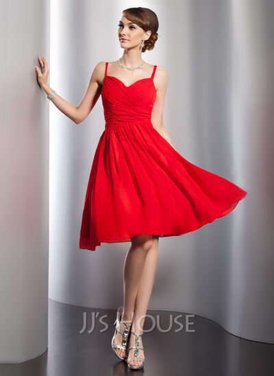 A-Line Sweetheart Knee-Length Chiffon Homecoming Dress With Ruffle