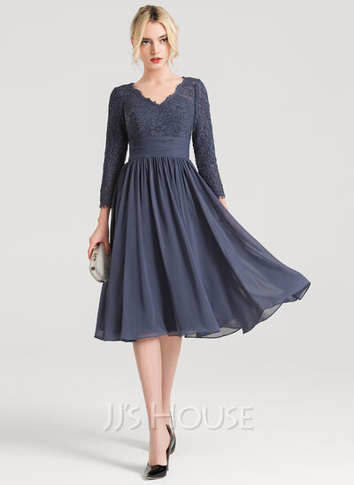 A-Line/Princess V-neck Knee-Length Chiffon Cocktail Dress With Ruffle