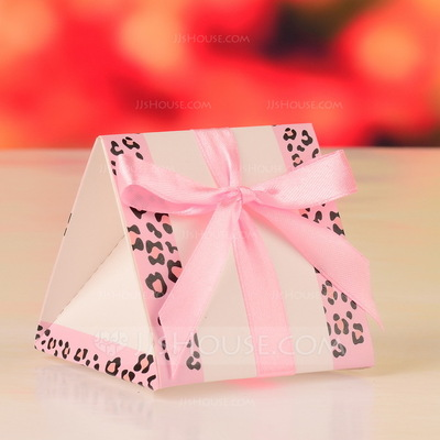 Classic Pyramid Favor Boxes With Ribbons (Set of 12)
