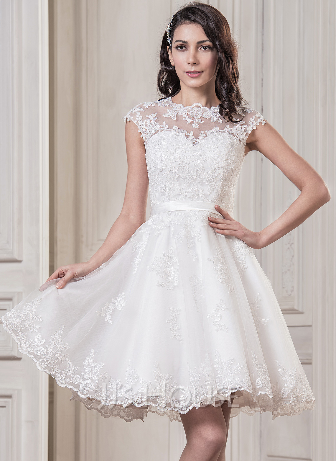 A-Line Illusion Knee-Length Tulle Wedding Dress With Appliques Lace