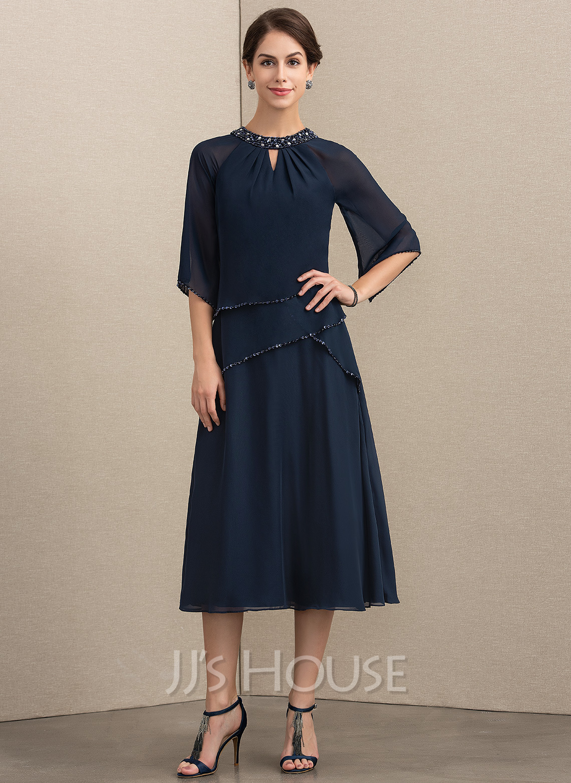 A-Line Scoop Neck Tea-Length Chiffon Cocktail Dress With Beading Sequins