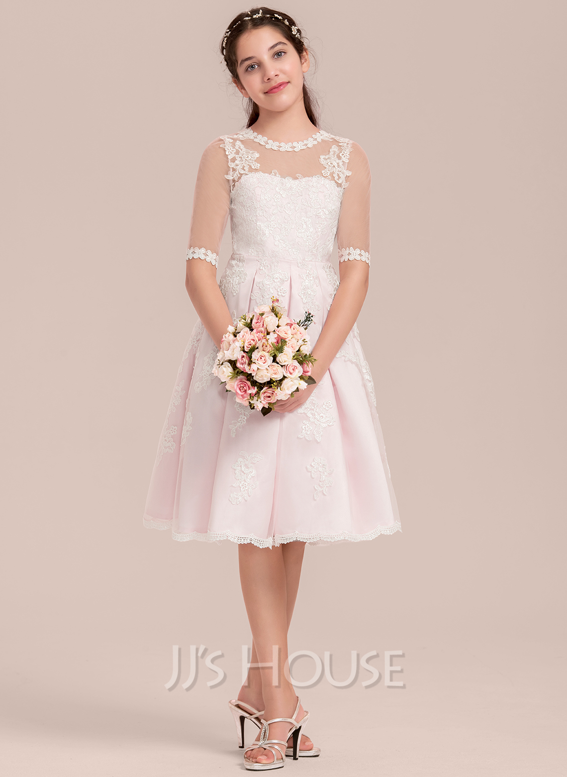 A-Line Scoop Neck Knee-Length Tulle Junior Bridesmaid Dress