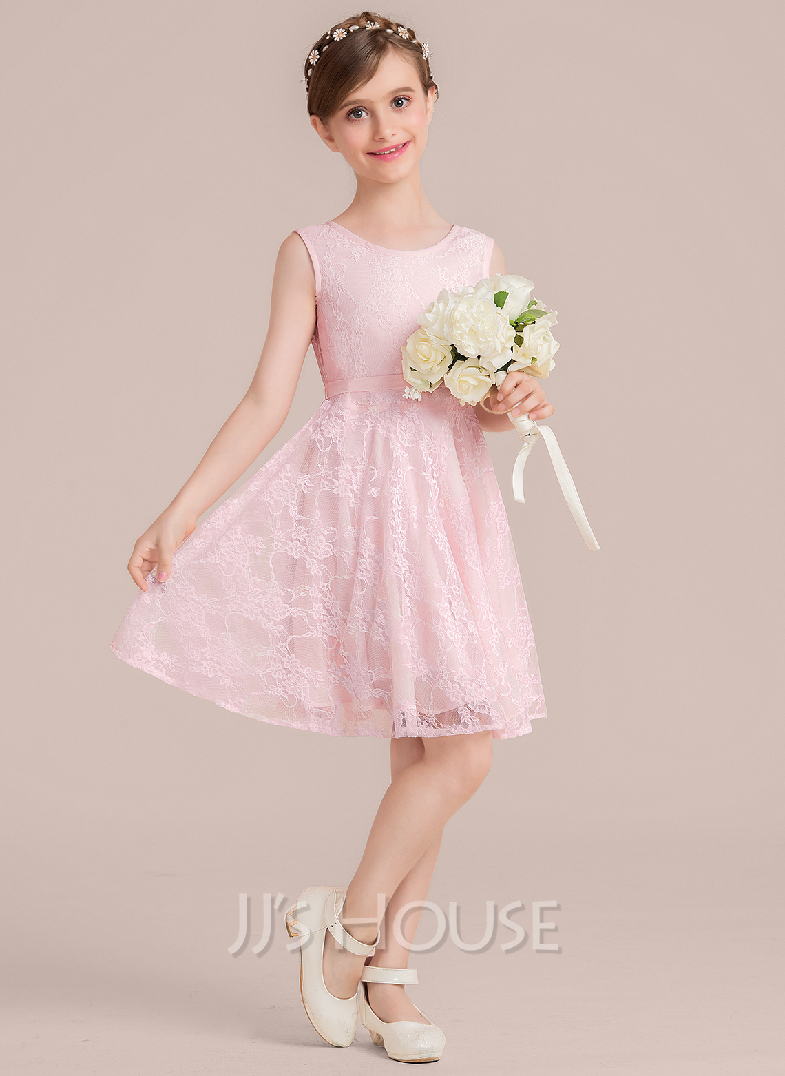 Scoop Neck Knee-Length Lace Junior Bridesmaid Dress With Bow(s)