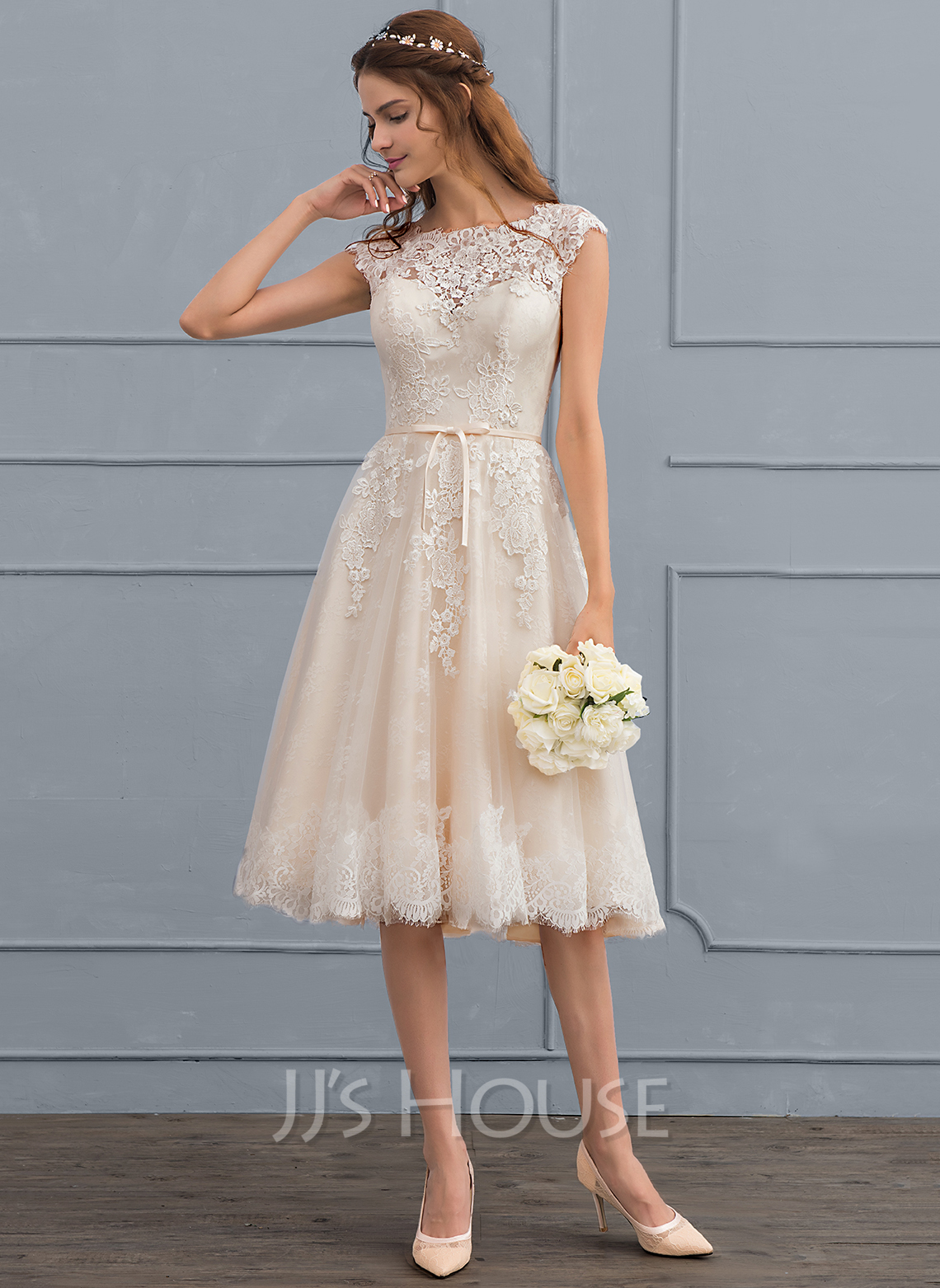 A Line Princess Scoop Neck Knee Length Tulle Lace Wedding Dress With Bow