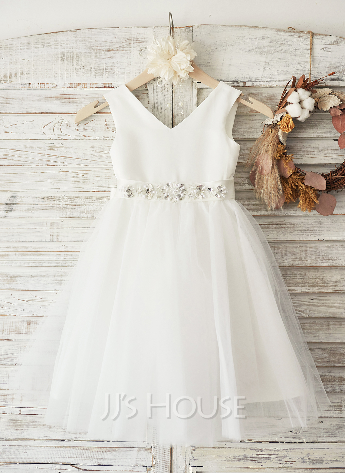A-Line/Princess Knee-length Flower Girl Dress - Satin Tulle Sleeveless V-neck With Bow(s) Rhinestone