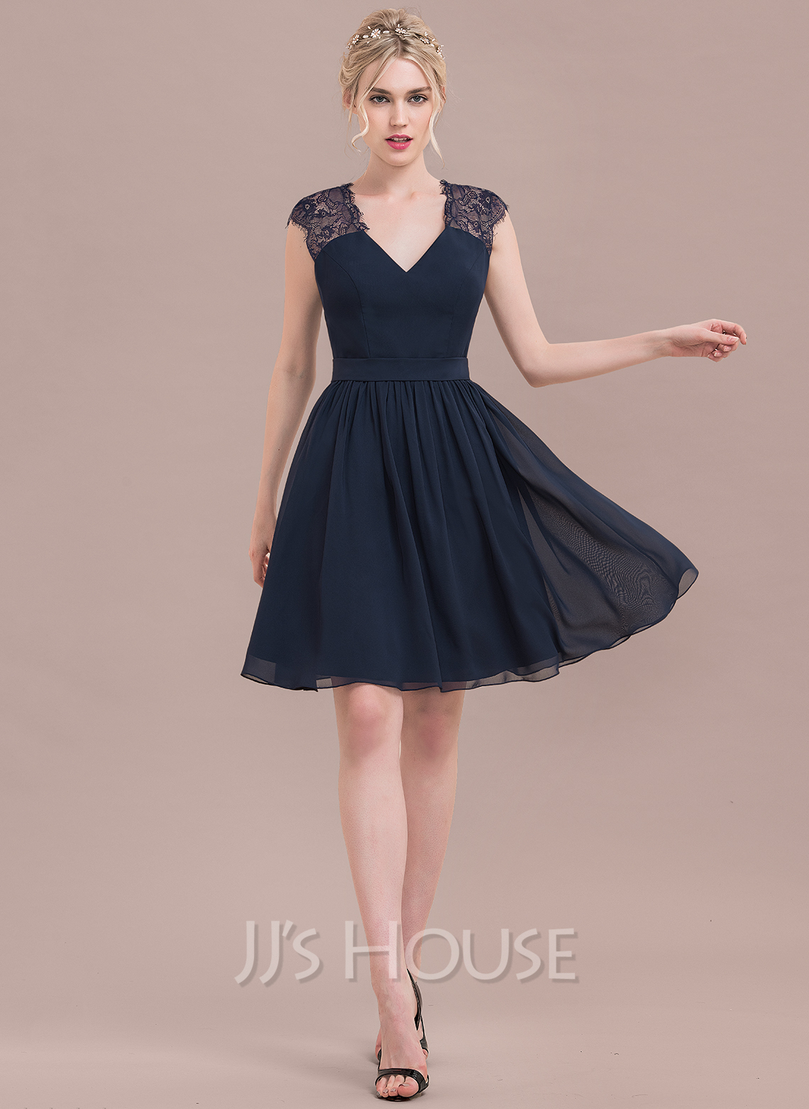 6a4ed3a22b A-Line Princess V-neck Knee-Length Chiffon Lace Cocktail Dress. Loading zoom