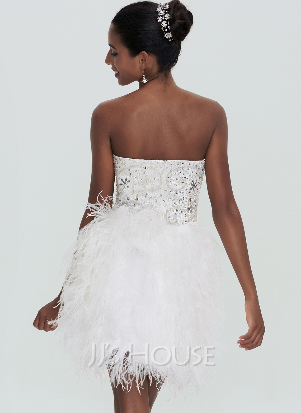 A-Line Sweetheart Short/Mini Feather Homecoming Dress With Beading Sequins