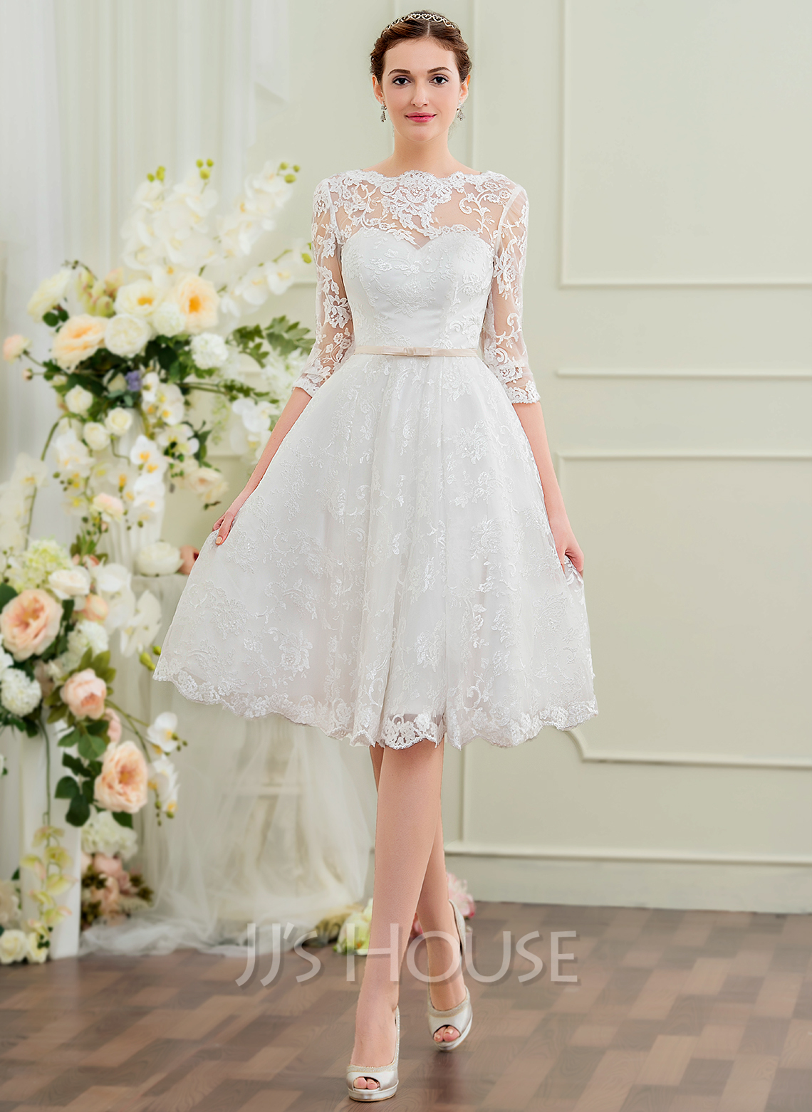 A-Line/Princess Scoop Neck Knee-Length Lace Wedding Dress With Bow(s ...