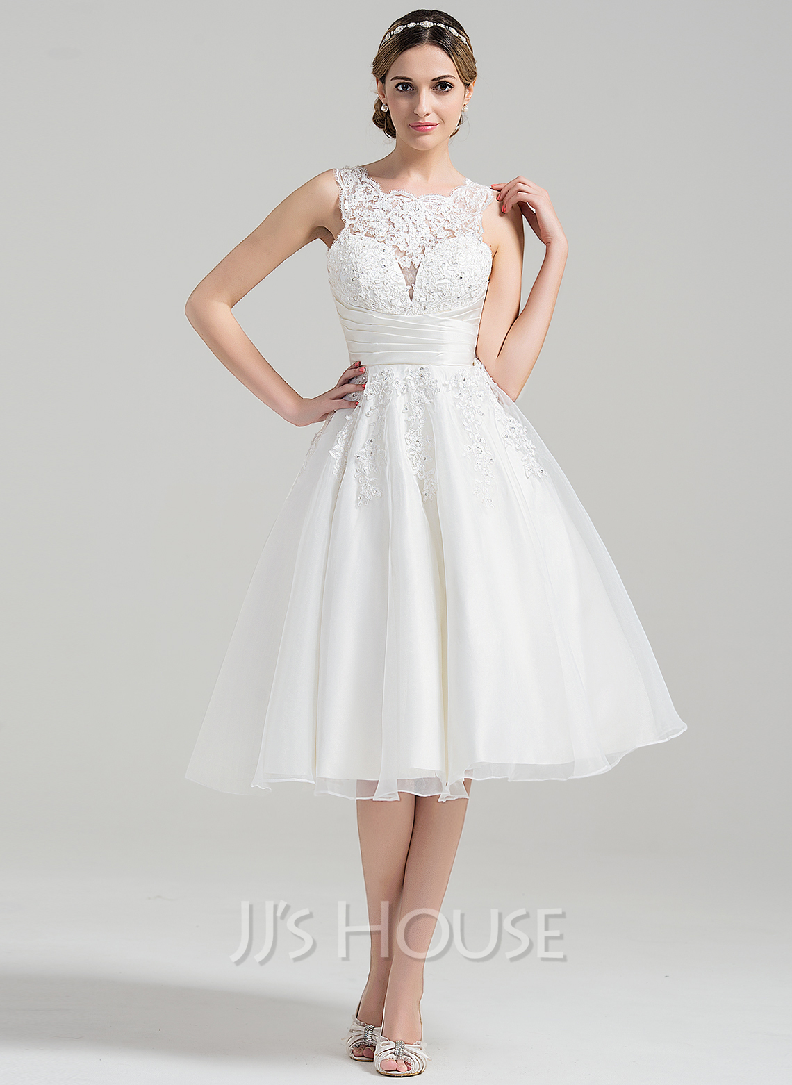 A Line Princess Scoop Neck Knee Length Organza Wedding