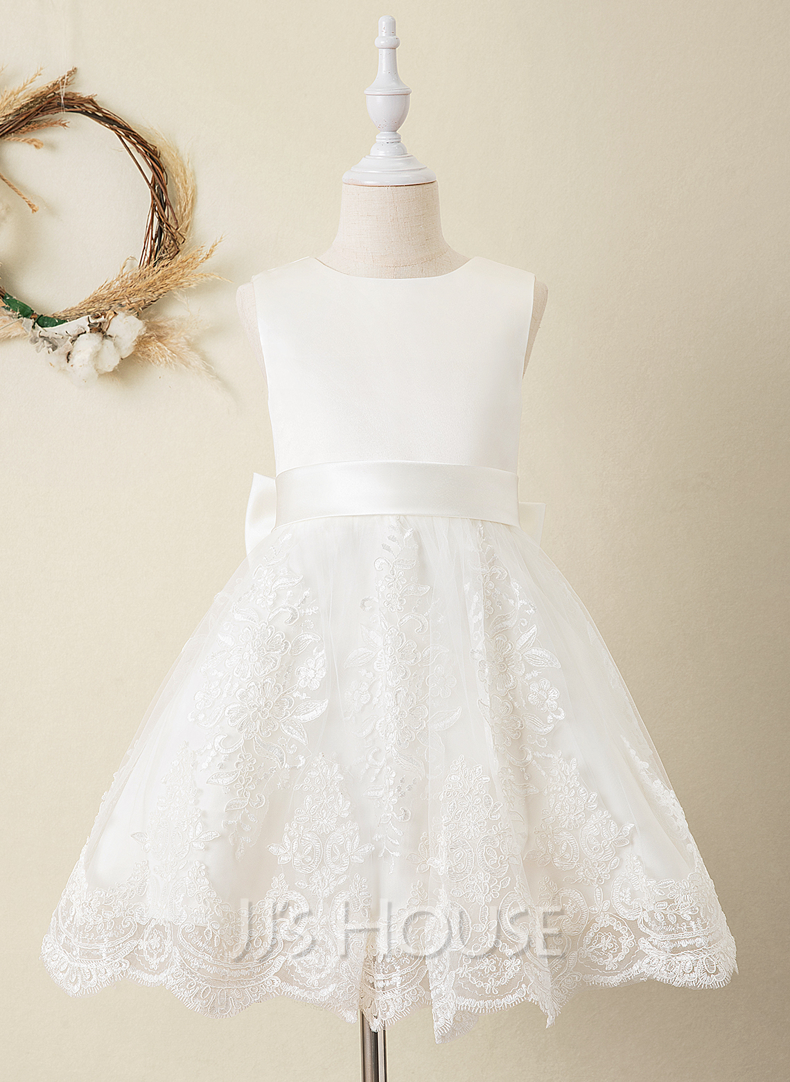 Ball-Gown/Princess Knee-length Flower Girl Dress - Satin/Lace Sleeveless Scoop Neck With Bow(s) (Undetachable sash)