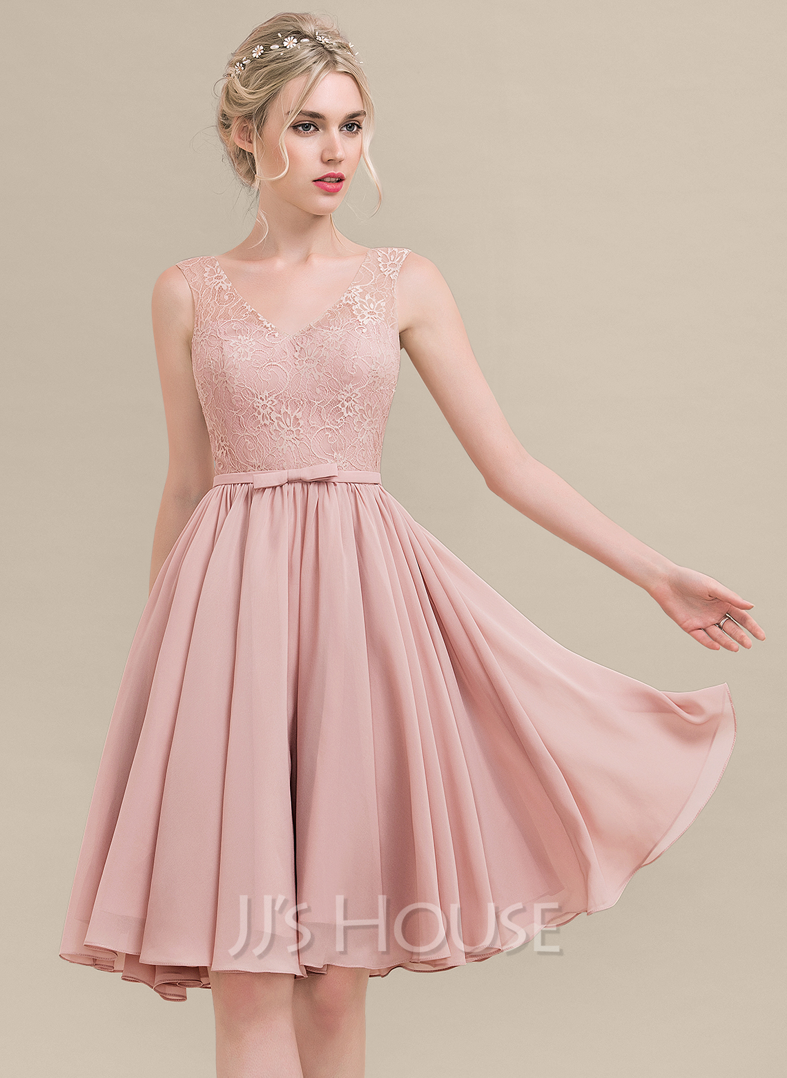 A-Line V-neck Knee-Length Chiffon Lace Bridesmaid Dress With Bow(s)