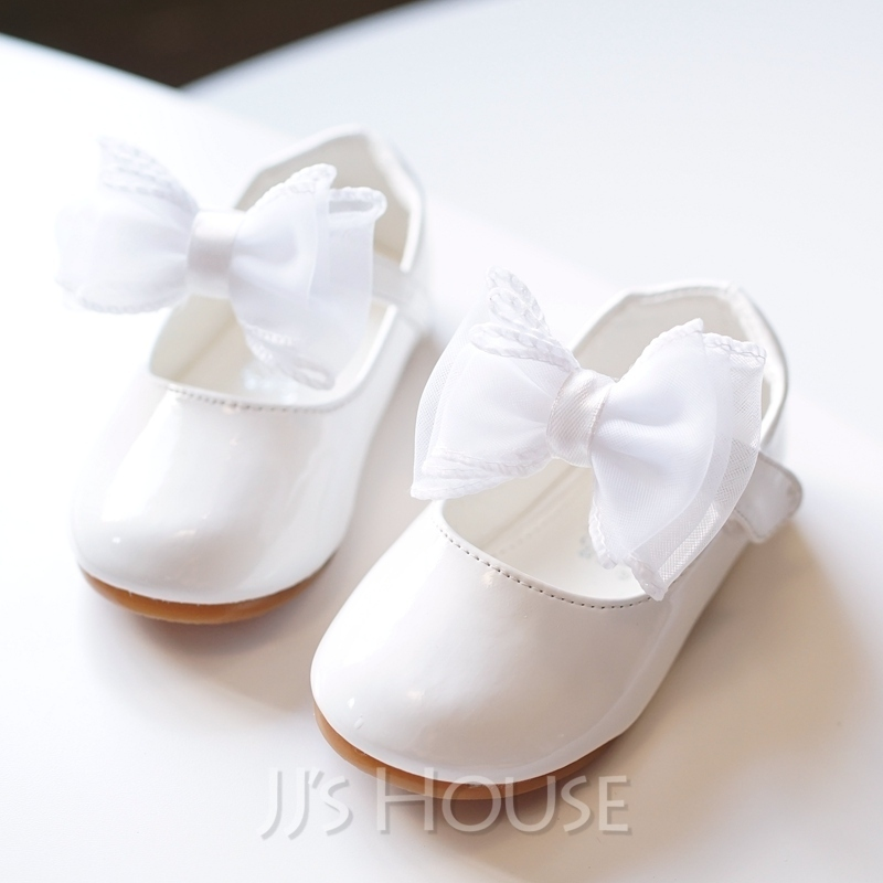 b556335b5e9f Girl s Round Toe Closed Toe Leatherette Flat Heel Flats Flower Girl Shoes  With Bowknot Velcro. Loading zoom
