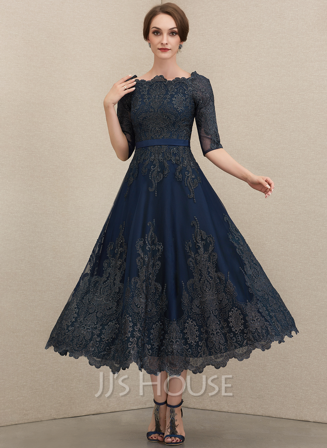 A-Line Scoop Neck Tea-Length Lace Mother of the Bride Dress