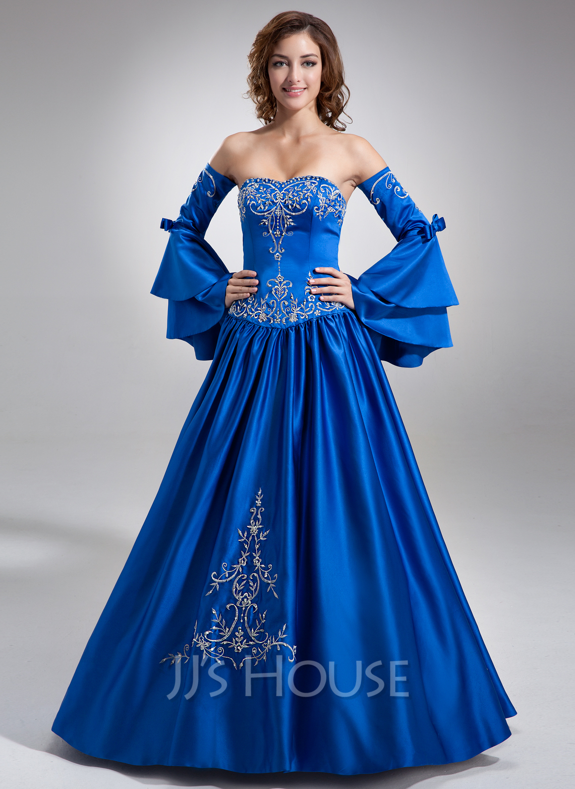 Ball-Gown Sweetheart Floor-Length Satin Quinceanera Dress With Embroidered Beading