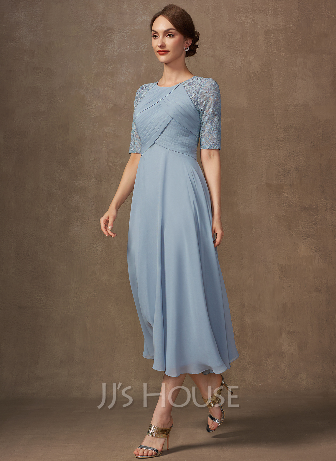 A-Line Scoop Neck Tea-Length Chiffon Lace Cocktail Dress With Ruffle