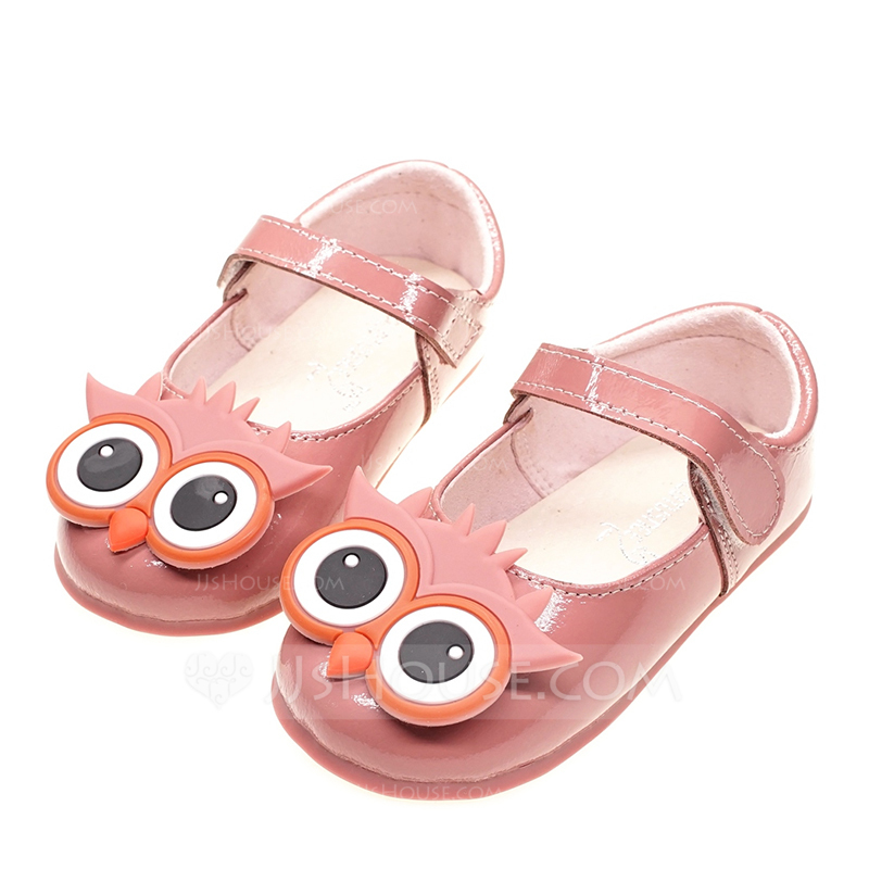 bad6ccfeda28 Girl s Round Toe Closed Toe Patent Leather Flat Heel Flats Flower Girl Shoes  With Velcro. Loading zoom