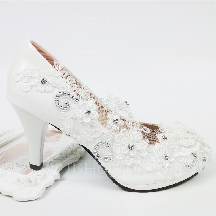 Women's Leatherette Spool Heel Closed Toe With Applique Crystal
