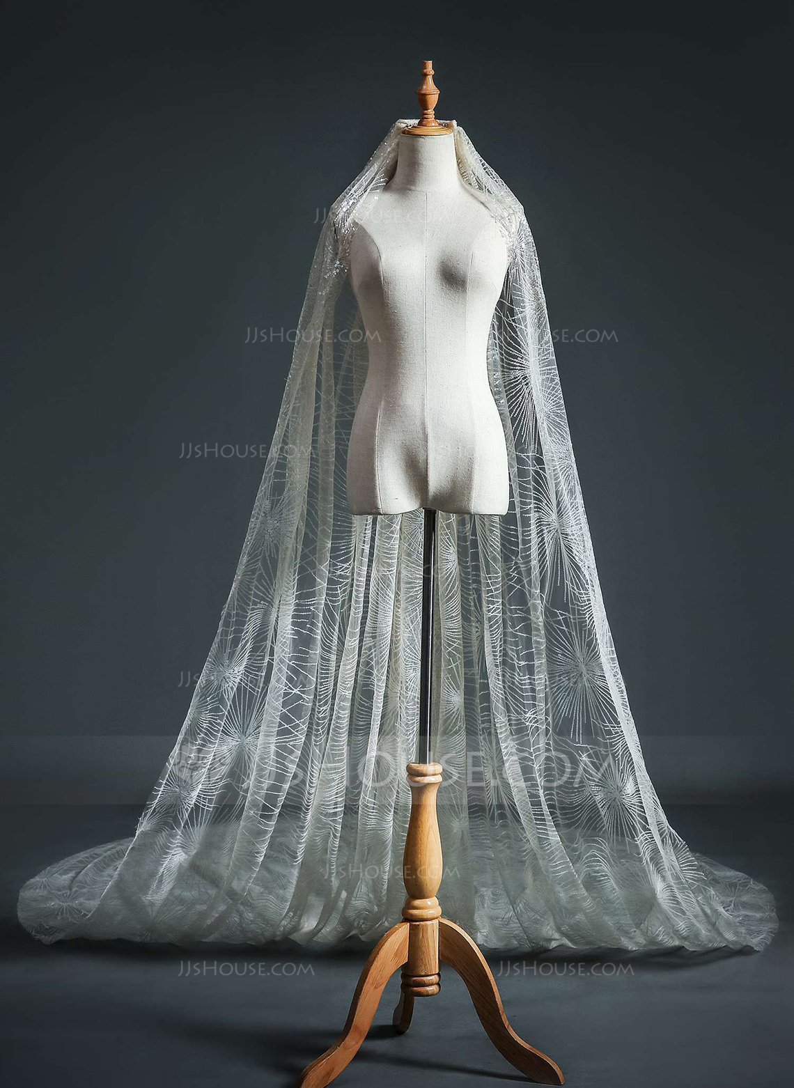 One-tier Cut Edge Cathedral Bridal Veils With Rhinestones