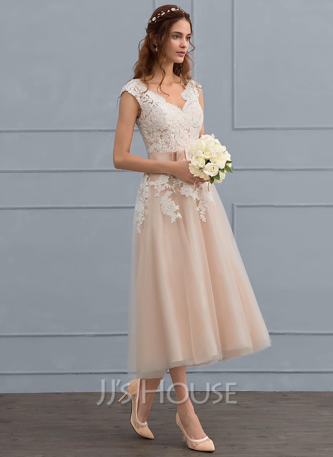 V-neck Tea-Length Tulle Wedding Dress With Bow(s)