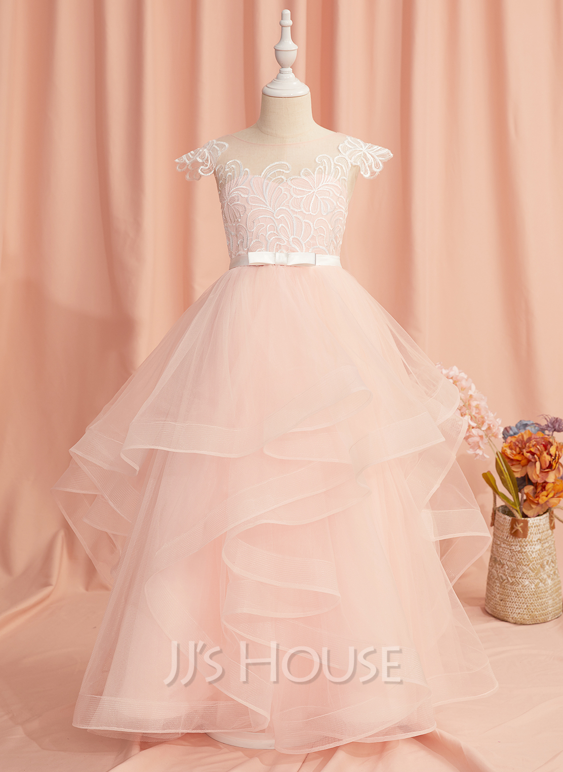 Ball-Gown/Princess Floor-length Flower Girl Dress - Tulle Sleeveless Scoop Neck With Lace/Bow(s)/V Back