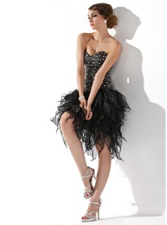 A-Line Sweetheart Knee-Length Organza Cocktail Dress With Beading